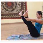 El Método Pilates combina diferentes capacidades físicas, como la elasticidad, la elongación y la resistencia muscular, sumado al trabajo de respiración profunda y el centramineto de la postura.