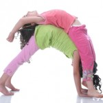 kids_doing_yoga