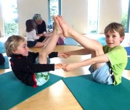 yoga dos nens